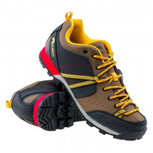 Low shoes for men ELBRUS Togato, Brown / Yellow